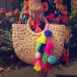 Handbags - 🐠🦀BEACH READY! Straw Pom Pom & Tassel Tote Bag